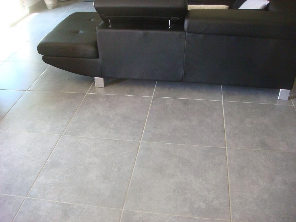 Carrelage design carrelage 50x50 gris clair moderne for Carrelage 50x50